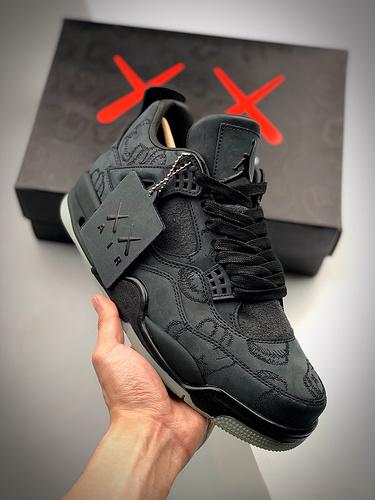 Air Jordan 4 X Kaws 黑麂皮  黑麂皮夜光联名 930155-001_莆田s2是什么版本
