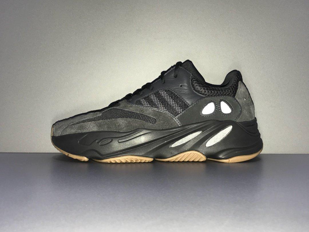 OG版700 黑 YEEZY 700 BOOST UTIBLK 货号FV5304_莆田鞋性价比版本是什么意思