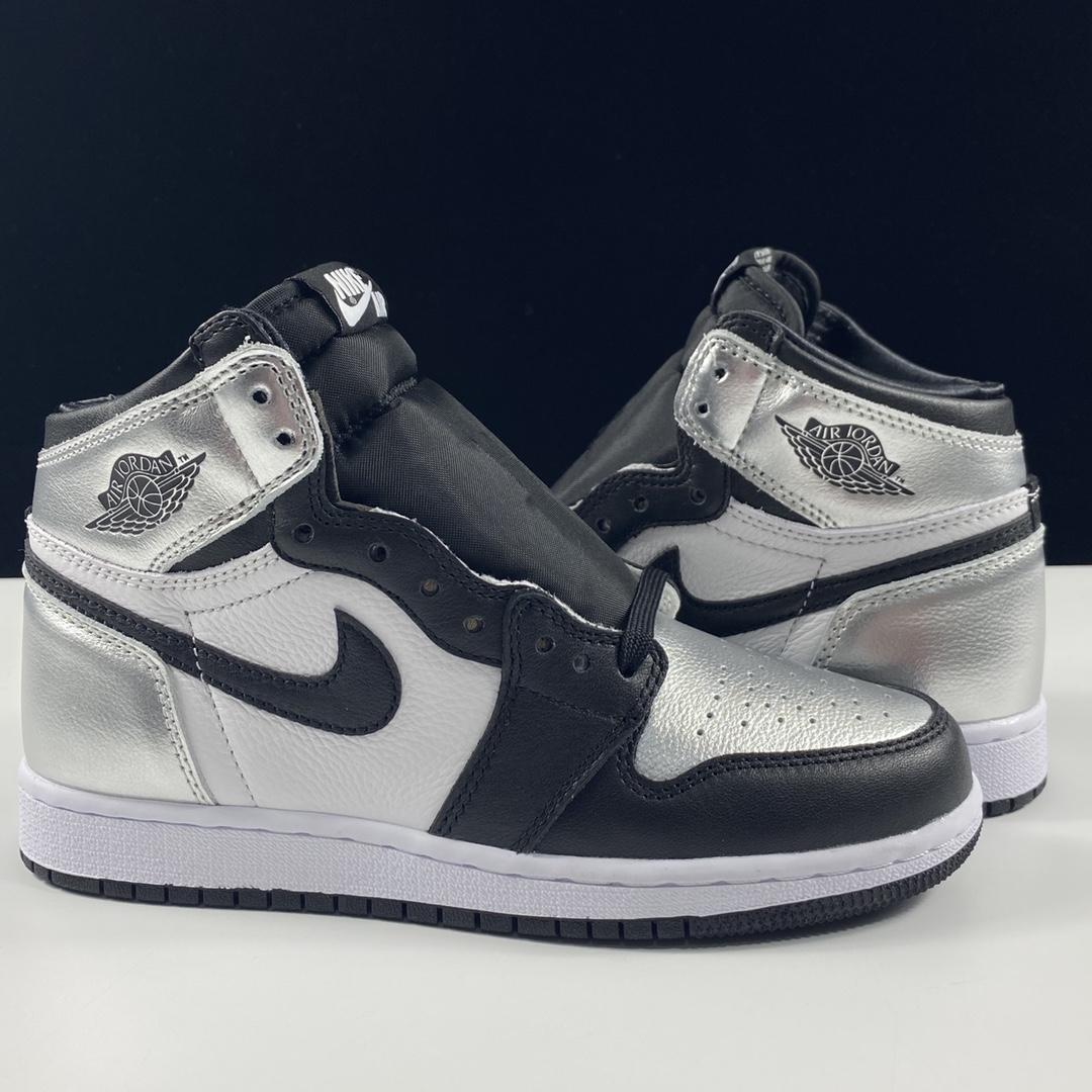"Air Jordan 1 High OG Wmns""Silver Toe""AJ1 乔1金属黑银 银脚趾 CD0461-001_LJR580版本是什么意思"