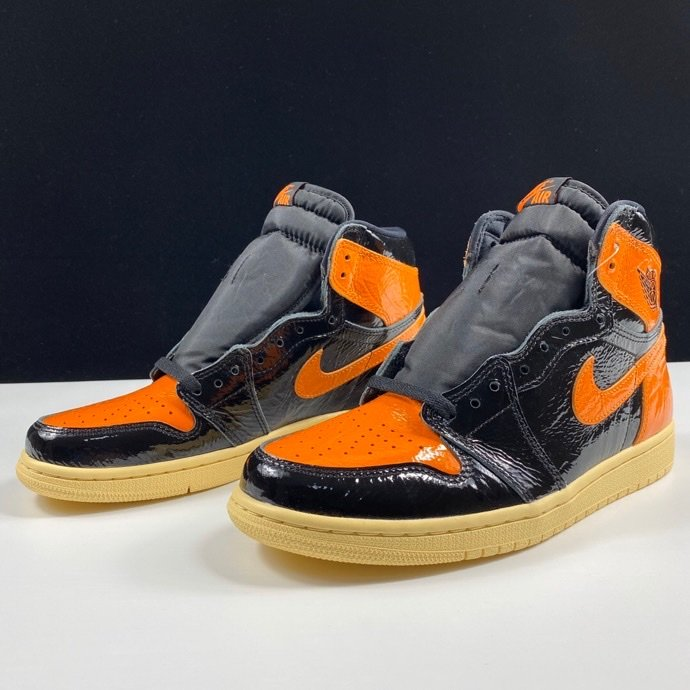 LJR版本猪油扣碎 Air Jordan 1 Retro High OG Shattered Backboard 3.0新黑橙扣碎3.0配色 555088-028_哪里有ljr版本的鞋子