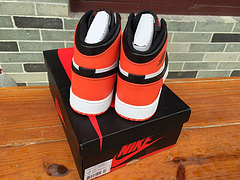 乔丹/Air Jordan 【真标】【二层】 AJ1 乔丹1代 乔1 AJ1 高邦 女鞋 篮球鞋 乔丹1代系列 原装正标 乔1黑橘红 36-40