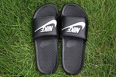 (货齐)qq红包秒抢软件 Nike Benassi Slide 拖鞋 GD 343880-090