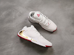 Nike Zoom Freak 1字母哥首款签名战靴
