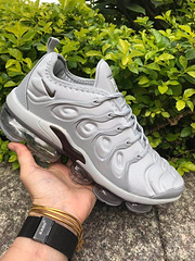 qq红包秒抢软件 Nike Air Vapormax Plus TN 大气垫运动跑步鞋  40-45