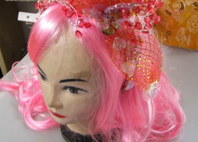 名称:舞台演出道具舞蹈头饰.制作材料:布.使用领域:上海海的女儿儿童剧演出.制作日期:2010.