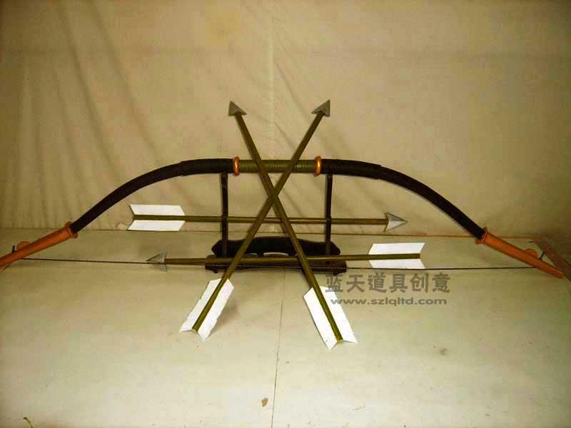 名称:cso道具弓箭.制作材料:木.使用领域:cos秀.制作日期:2007.