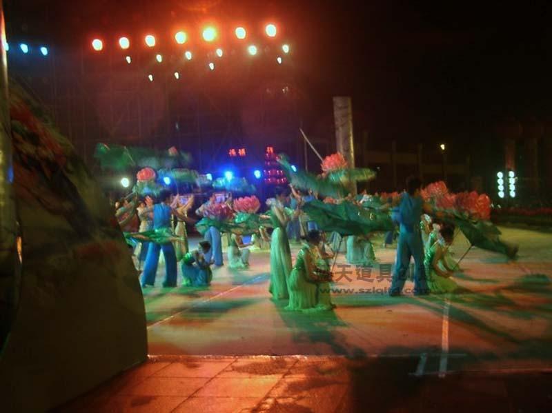 名称:萧山春节晚会演出道具.制作材料:--.使用领域:演出.制作日期:2007.