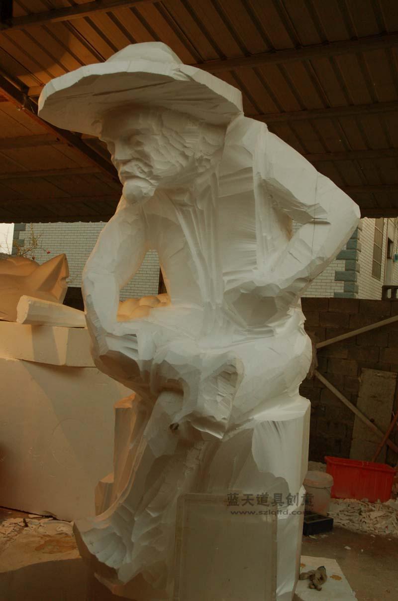 名称:人物泡沫雕塑老人.制作材料:泡沫.使用领域:温州.制作日期:2011.