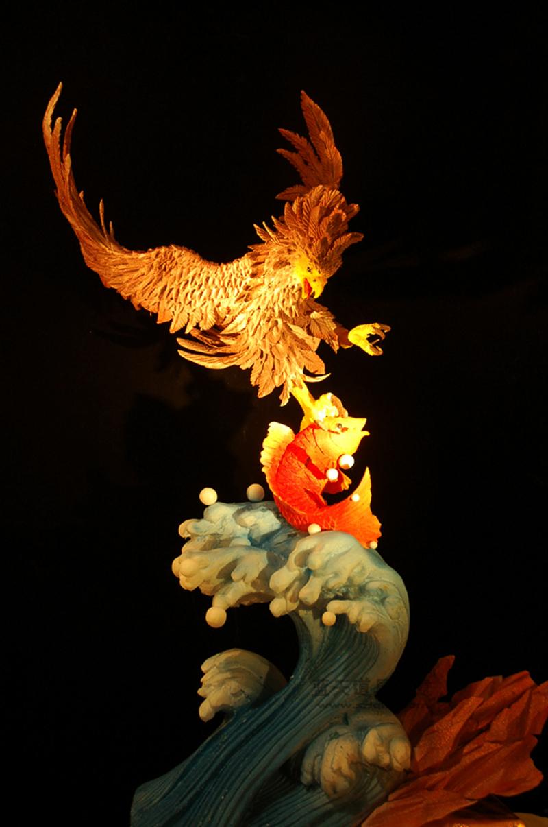 名称:泡沫雕塑龙凤呈祥.制作材料:泡沫.使用领域:酒店.制作日期:2009.