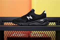 MSX90RAA New Balance 新百伦 X-90 MSX90RAA 此系列是 New Balance 99X系列在现代潮流下的重生,鞋身结合了现代科技元素美学
