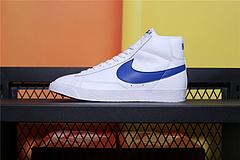 845054-100 Nike Blazer Mid Retro OG 复古经典中帮开拓者 复刻宝蓝 颇具辨识度的Nike Blazer Mid配色