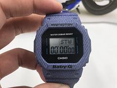 卡西欧BABY G女表 5600BB 运动手表数字显示 防水:200米、自动日历、背光照明(自动背光)