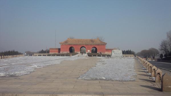 明十三陵-大红门