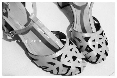 美鞋记4@雕花镂空凉鞋