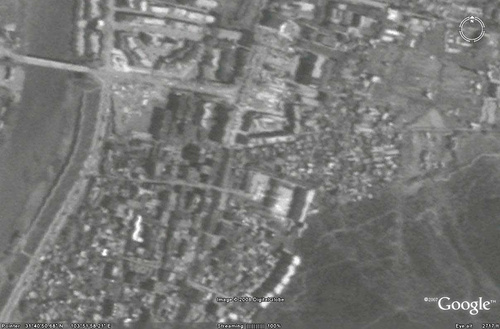这个是台湾福卫二号卫星提供的震后茂县的黑白卫星地图
