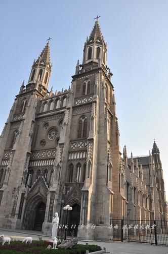 济南古建筑-洪家楼教堂