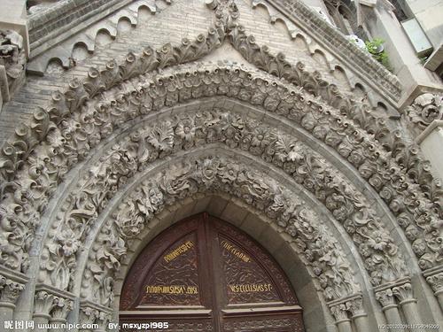 济南古建筑-洪家楼教堂-门口浮雕