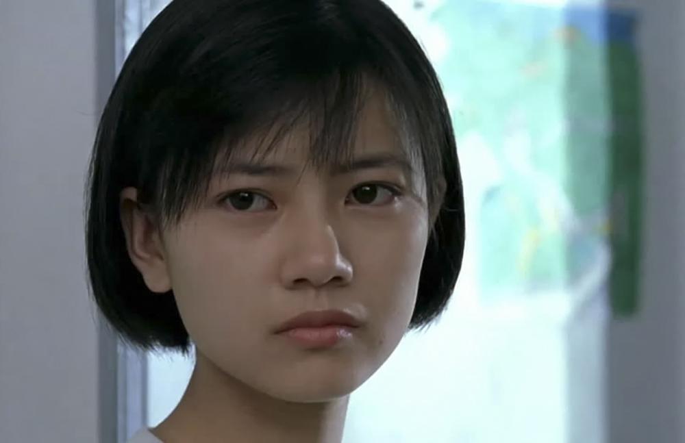 高圆圆出演了她的第一部电影《爱情麻辣烫》