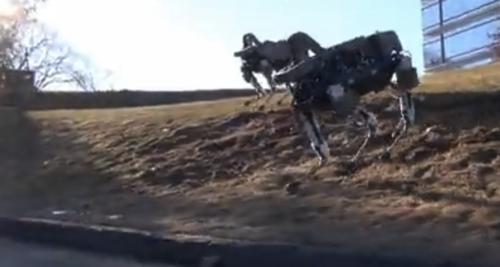 Google旗下的小型四足机器狗 Spot:到处跑/踹不倒Snip20150211_19