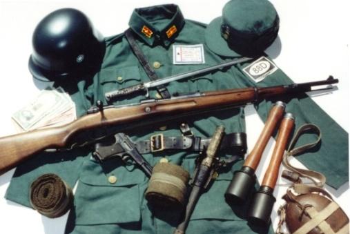 """抗战中国军制式装备:""""中正式""""步枪。"""