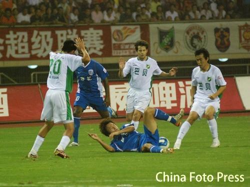 2007年中超第23轮:浙江绿城0-0上海申花