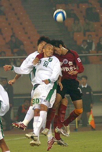 2007年中超第30轮:浙江绿城0-0辽宁队