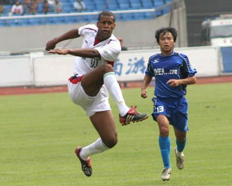 2005年中甲第25轮:浙江绿城5-1上海九城