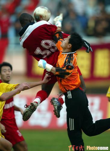 2004年中甲第26轮:青岛海利丰0-0浙江绿城