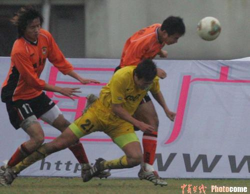 2004年中甲第32轮:武汉黄鹤楼2-1浙江绿城