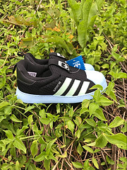阿迪达斯童鞋 一脚蹬 软贝 黑色/淡蓝22-35