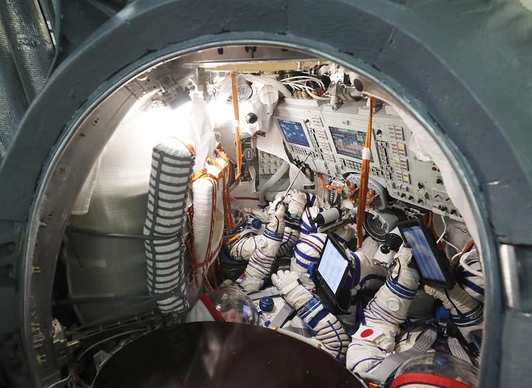 日本富豪太空飞行训练