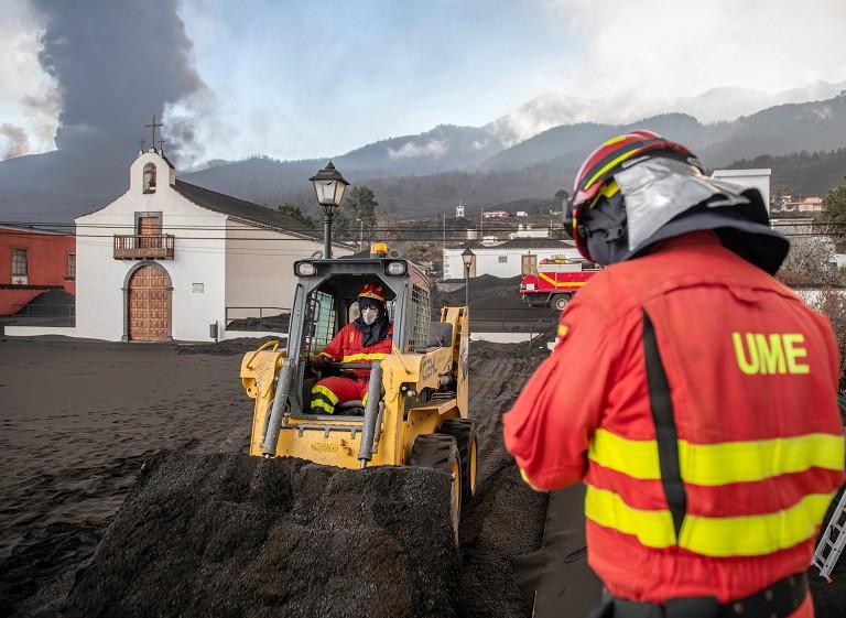 西班牙火山喷发地震