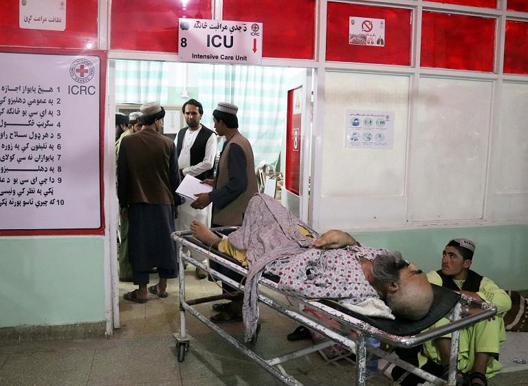 阿富汗清真寺遭袭击