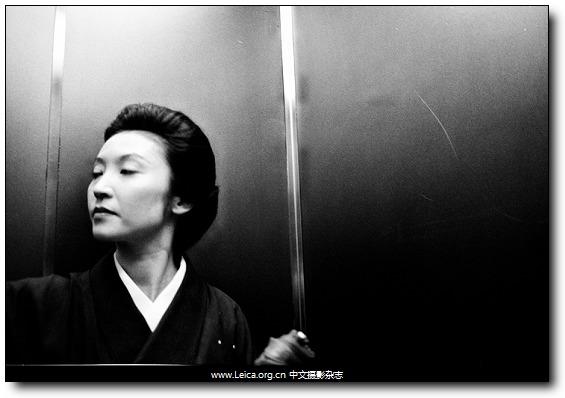 『他们在拍什么』Xavier Comas,东京电梯