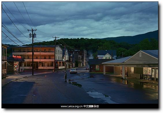 『摄影师访谈』Gregory Crewdson,城市边缘的剧照
