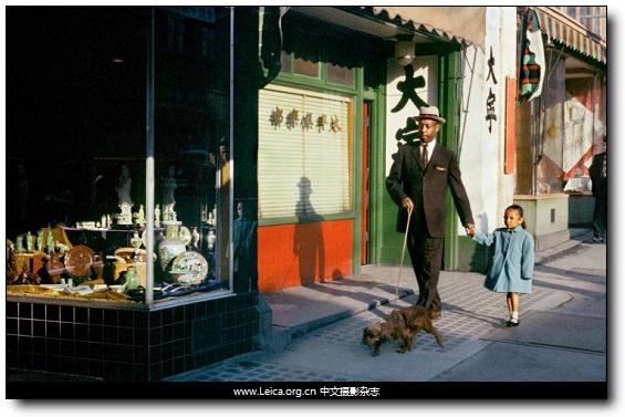 『他们在拍什么』Fred Herzog,五十年代的彩色街头摄影