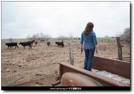 『女摄影师』Shelley Calton,女性持枪者肖像