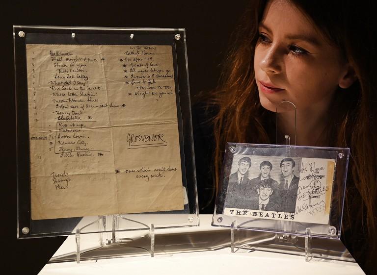 披头士乐队手写单拍卖
