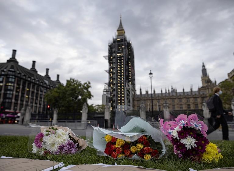 英国议员遭恐袭身亡