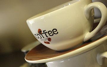 大口咖啡杯