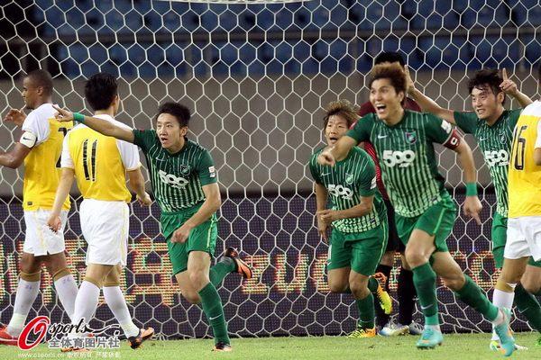 2013年中超第21轮:杭州绿城1-1上海申鑫