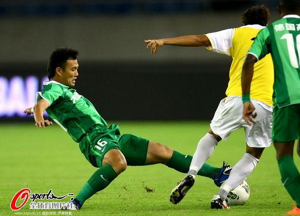 2012年中超第26轮:杭州绿城0-0上海申鑫
