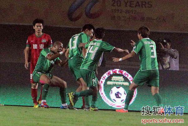 2012年中超第27轮:河南建业1-3杭州绿城