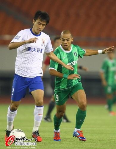 2012年中超第24轮:杭州绿城0-0山东鲁能泰山