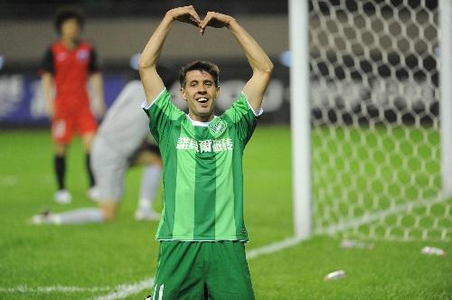 2011年中超第1轮:杭州绿城2-0南昌衡源