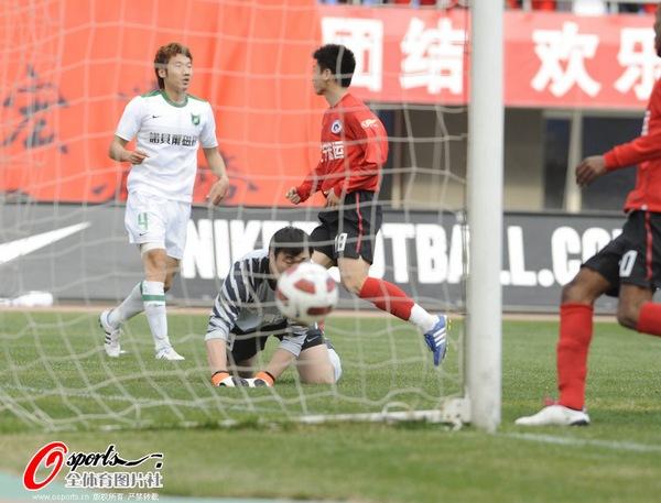 2011年中超第4轮:辽宁宏运1-0杭州绿城