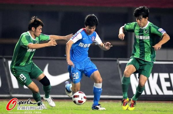 2011年中超第12轮:江苏舜天2-0杭州绿城