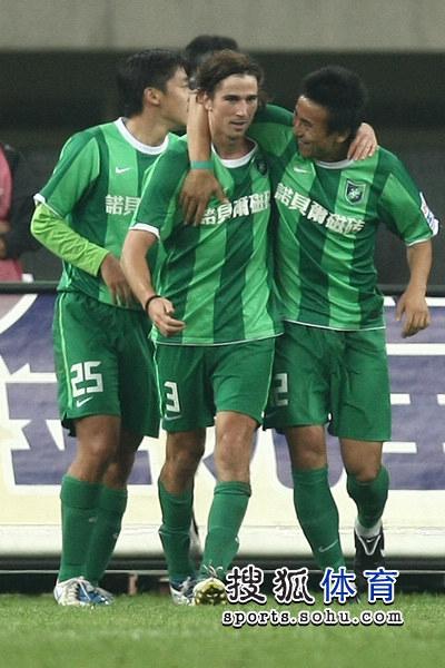 2011年中超第24轮:天津泰达2-2杭州绿城