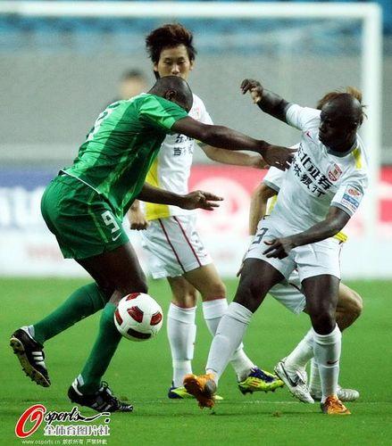 2011年中超第23轮:杭州绿城2-0长春亚泰