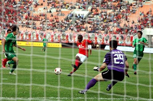 2011年中超第29轮:广州恒大3-0杭州绿城